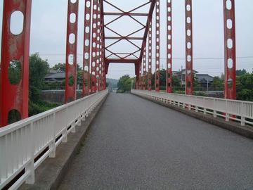 亀山ダムの手前の橋